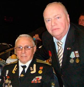 Вячеслав Ширяев (в центре) и Андрей Бодров (справа) на благотворительном вечере Союза ветеранов Анголы, 21 ноября 2010 г. Президент-отель.