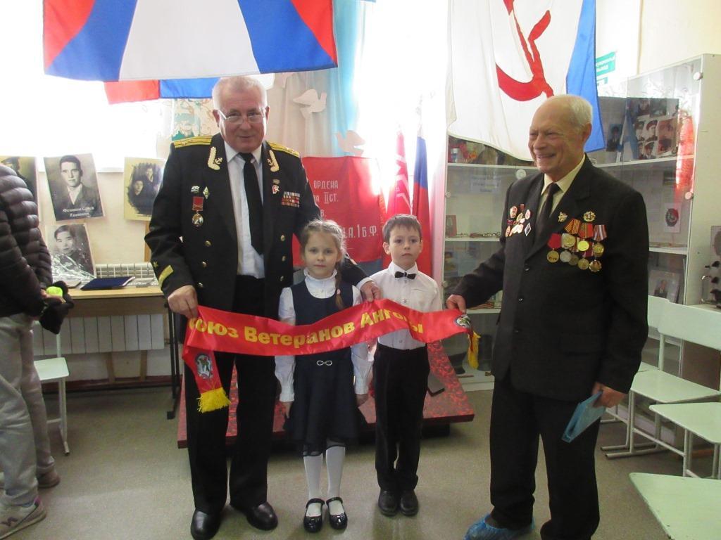 С юными воспитанниками патриотического клуба Гардемаринами